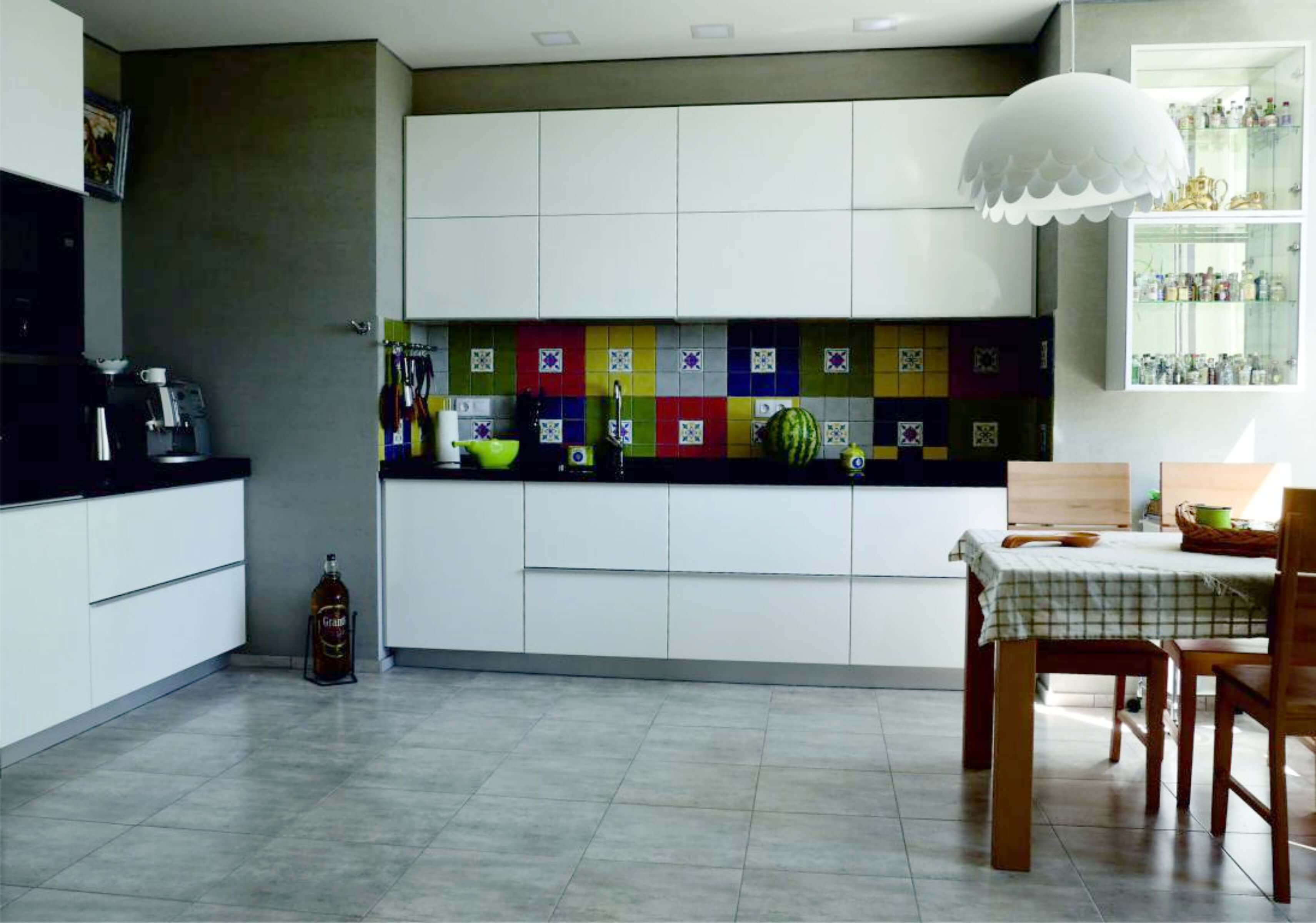 Крашеная кухонная мебель